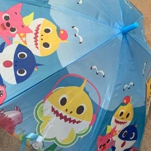 NEW KIDS UMBRELLA SHARK MIX